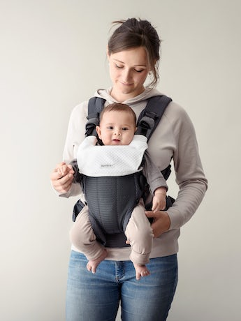 Soft bib for Baby Carrier Harmony that protects your baby carrier & keeps it fresh longer