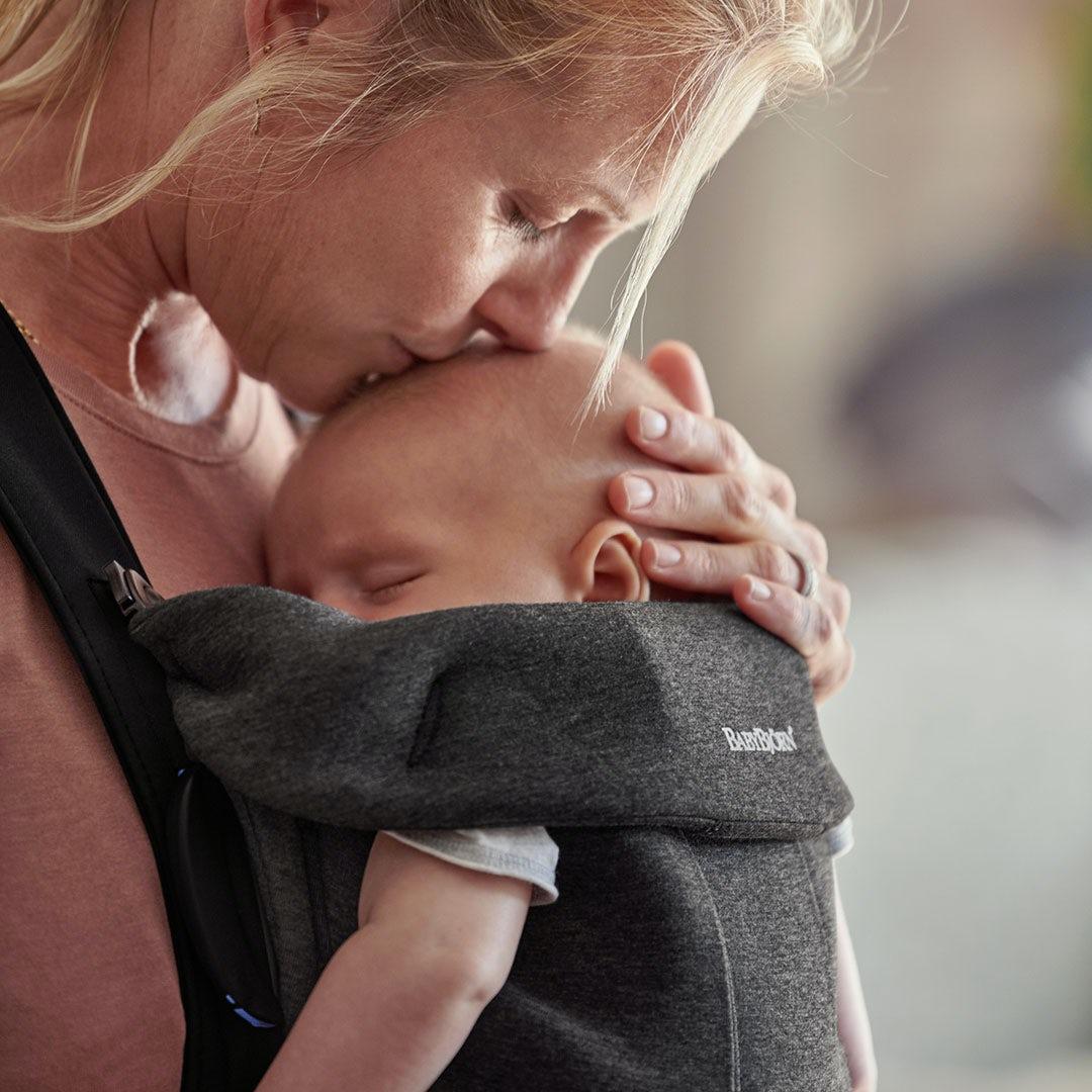 Why we love babywearing - closeness