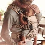 Tummies upset - babywearing is good for small tummies